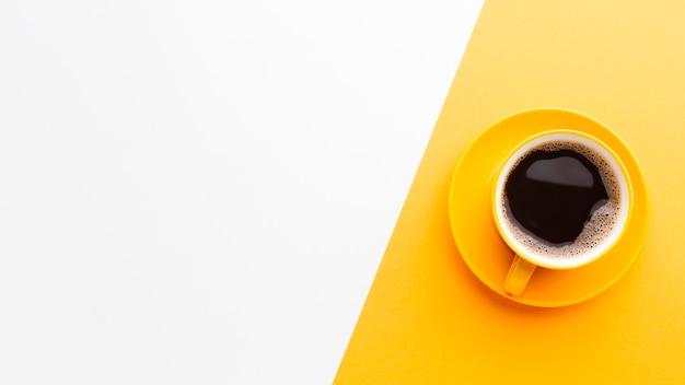 Vue de dessus tasse de café avec espace de copie