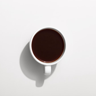Vue de dessus de la tasse avec café