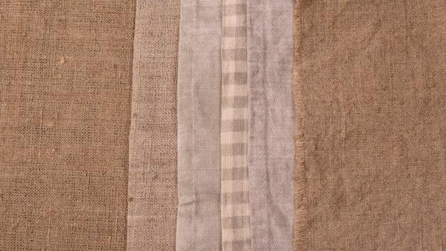 Vue de dessus des tissus colorés monochromes