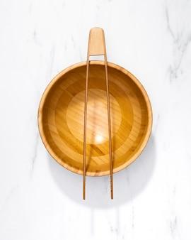 Vue de dessus des ustensiles de cuisine sur la table