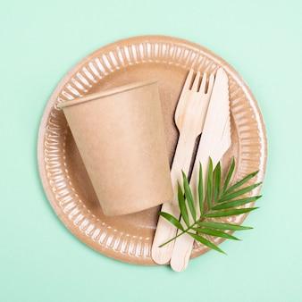 Vue de dessus de la vaisselle biodégradable zéro déchet