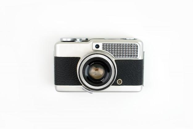 Vue de dessus, vieille caméra argentique isolée