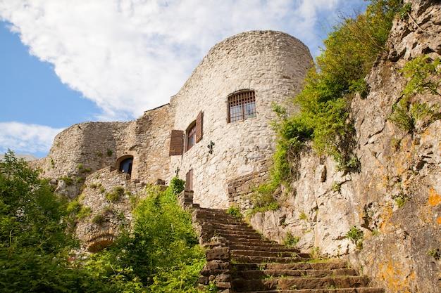 Vue du château de saint servolo