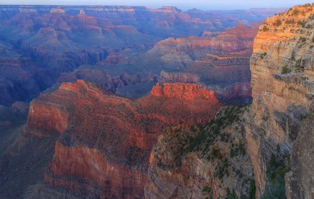 Vue du coucher de soleil du parc national du grand canyon south rim usa
