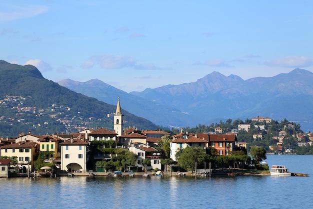 Vue du lago maggiore, italie