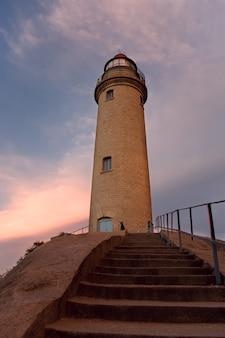 Vue du phare et des escaliers