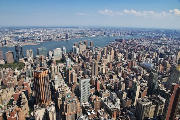 La vue de l'empire state building à new york des états-unis