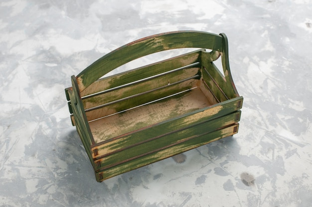 Vue de face de bureau vert vide