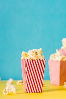 Vue de face composition alimentaire cinéma