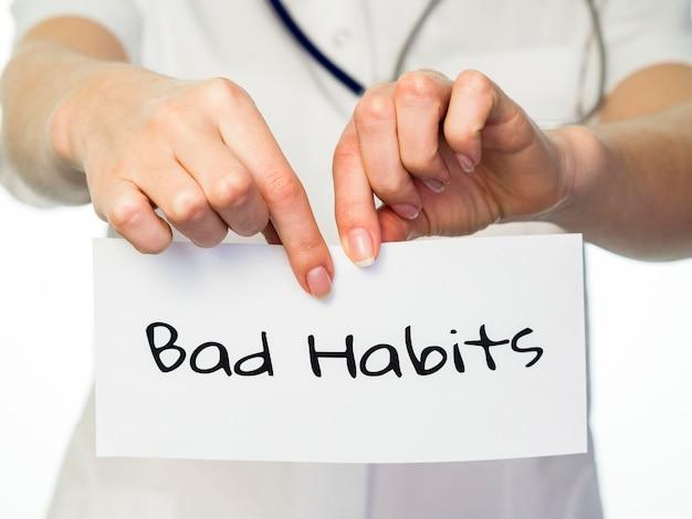 Vue de face du concept de rupture de mauvaise habitude