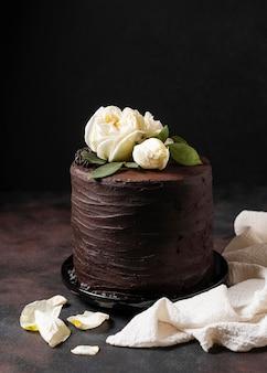 Vue de face du délicieux gâteau avec espace copie