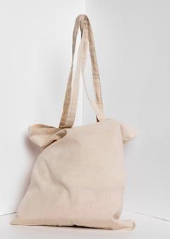 Vue de face du sac cabas en tissu