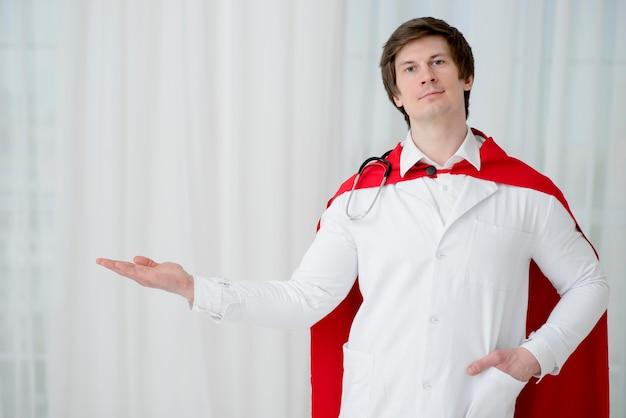 Vue de face homme portant une blouse de laboratoire