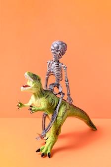 Vue de face jouets effrayants d'halloween