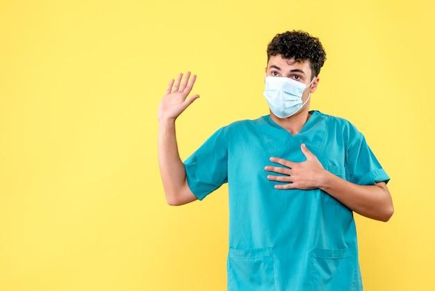 Vue de face médecin le médecin prête le serment d'hippocrate