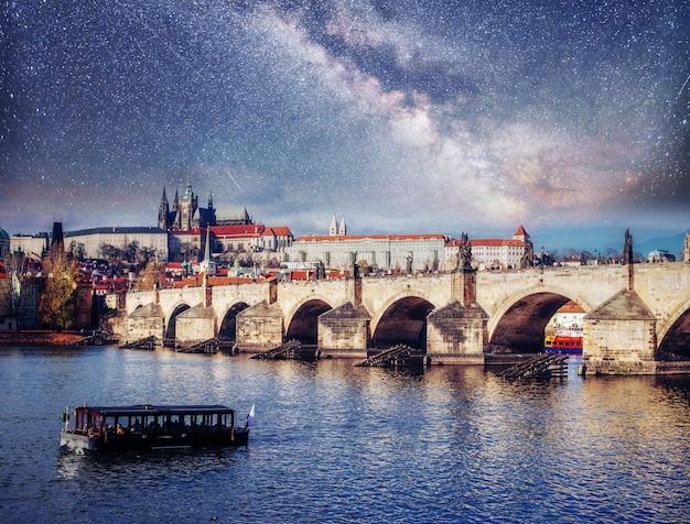 Une vue fantastique sur le pont charles.