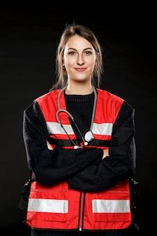 Vue frontale, de, femme, ambulancier
