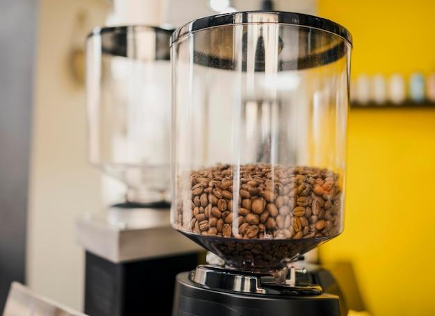 Vue frontale, de, grains café, dans, récipient