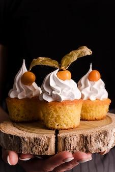 Vue frontale, de, petits gâteaux, à, glaçage