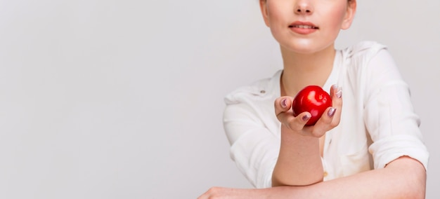 Vue frontale, de, tenue femme, une, pomme