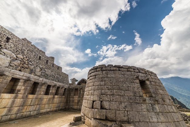 Vue grand angle détaillée des bâtiments de machu picchu, pérou