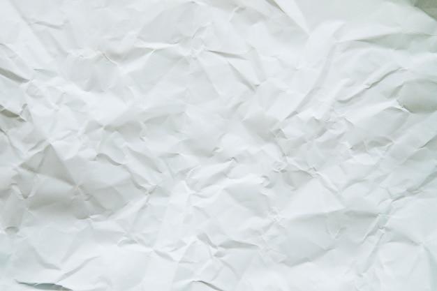 Vue grand angle de papier blanc froissé