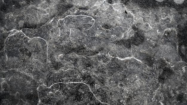 Vue grand angle de pierres couvertes de fond d'eau