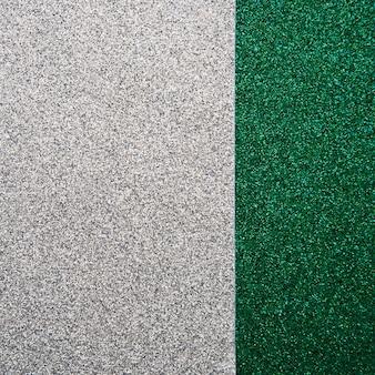 Vue grand angle de tapis vert et gris