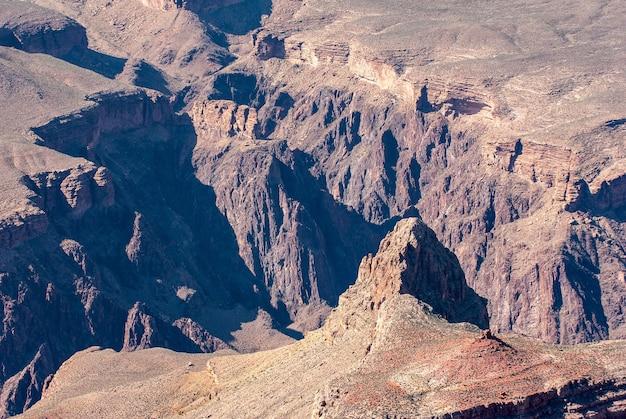 Vue sur le grand canyon depuis la rive ouest