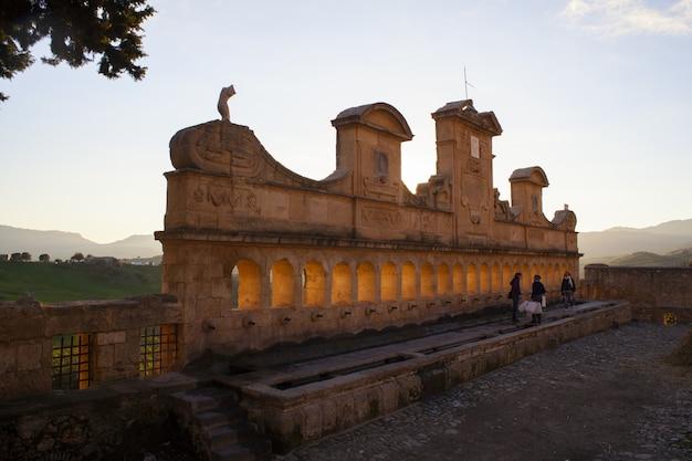Vue de granfonte, fontaine baroque à leonforte