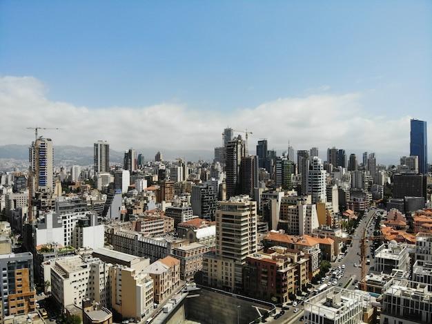 Vue d'en haut sur le liban. beyrouth - grande et belle capitale.