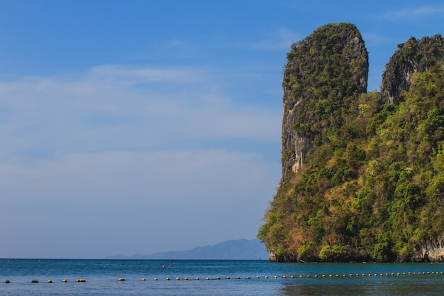 Vue de l'île de koh hong krabi, thaïlande