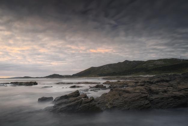 Vue imprenable sur la côte de galice