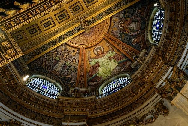 Vue intérieure de la cathédrale st paul