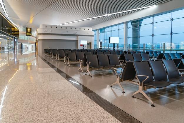 Vue intérieure du terminal de l'aéroport
