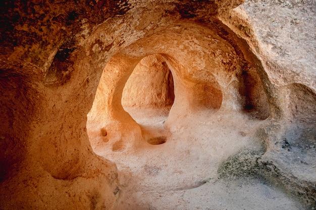 Vue intérieure de la ville troglodyte en cappadoce, turquie
