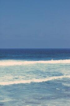 Vue sur un magnifique littoral océan atlantique en europe voyage vacances et concept d'été votre destination de vacances idéale