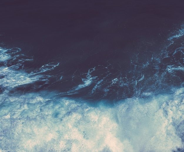 Vue sur un magnifique littoral océan atlantique en europe voyage vacances et concept d'été votre perf...