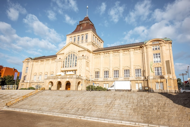 Vue matinale sur l'ancien musée national de la ville de szczecin en pologne
