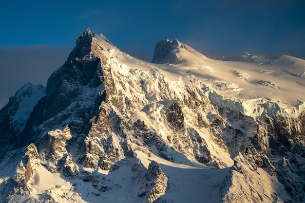 Vue sur la montagne paysage du parc national torres del paine, patagonie, chili.