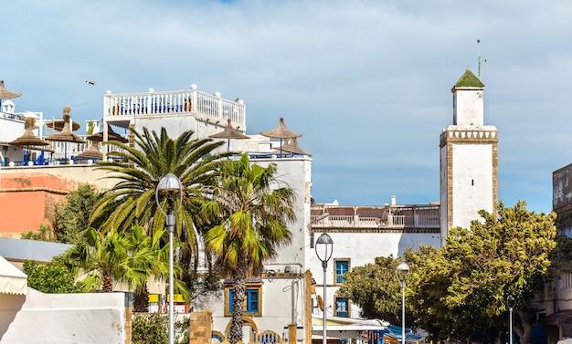 Vue de la mosquée ben youssef à essaouira, maroc