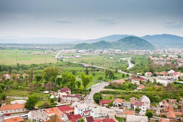 Vue de moukatchevo, ville située dans l'oblast de zakarpattia (province), dans le sud-ouest de l'ukraine