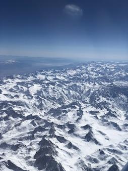 Vue sur la neige en montagne