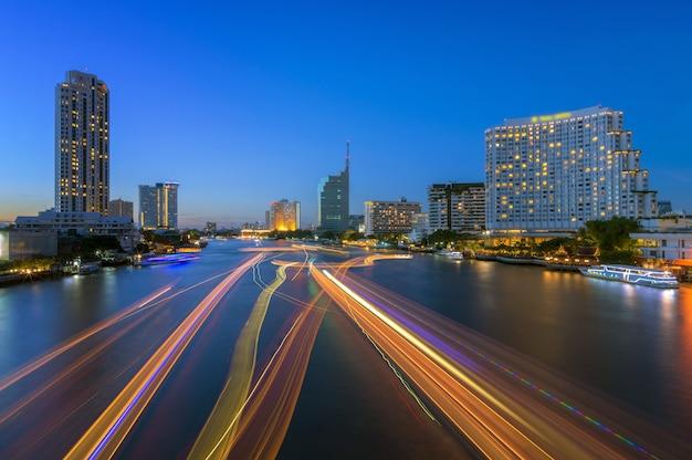Vue de nuit de bangkok