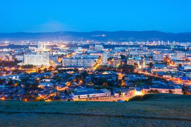Vue panoramique aérienne de krasnoyarsk