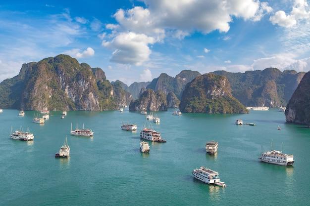 Vue panoramique de la baie d'halong, vietnam