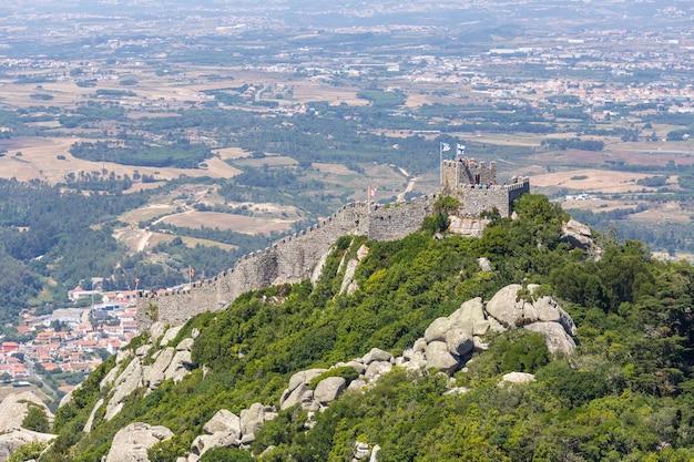 Vue panoramique du caslte maure à sintra, portugal