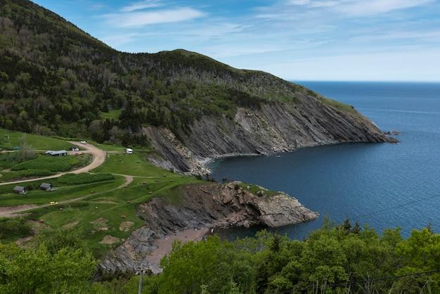 Vue panoramique du littoral, meat cove, cabot trail, île du cap-breton, nouvelle-écosse, canada