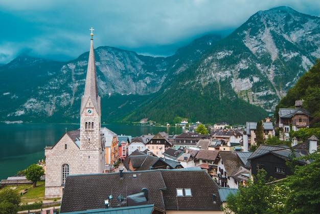 Vue panoramique sur l'espace de copie du village de hallstatt en autriche