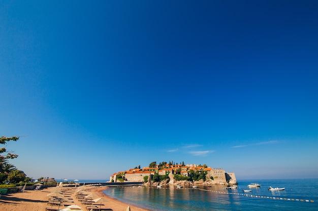 Vue panoramique de l'île de sveti stefan